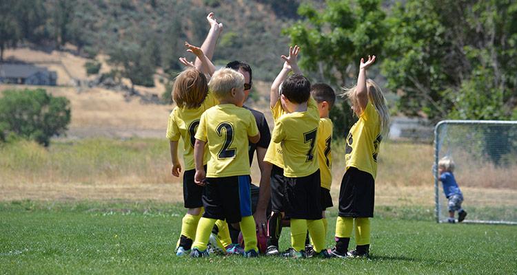 Intercambio entre escuelas de fútbol - Equipo niños