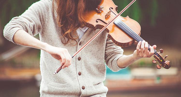 Música y educación, un gran motivo para un intercambio cultural - Violín