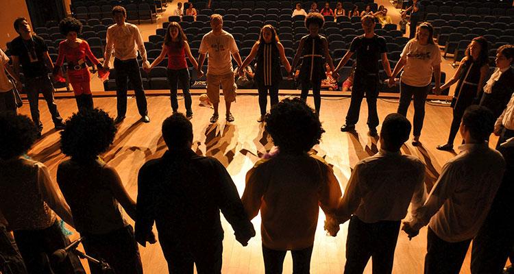 Los beneficios educativos del teatro: de las aulas a un intercambio (Grupo alumnos)