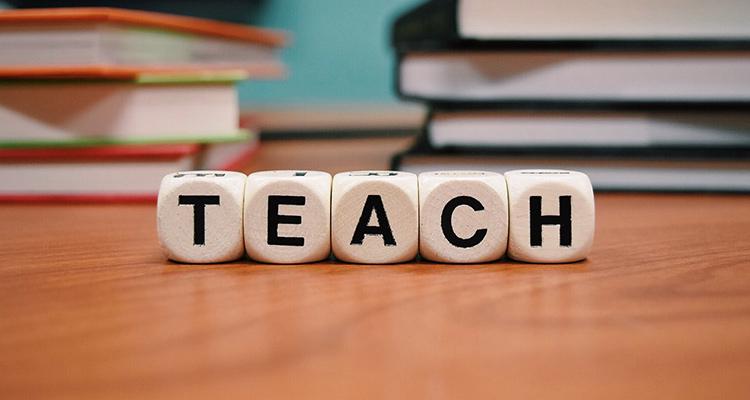 Los beneficios educativos del teatro: de las aulas a un intercambio (Teach)
