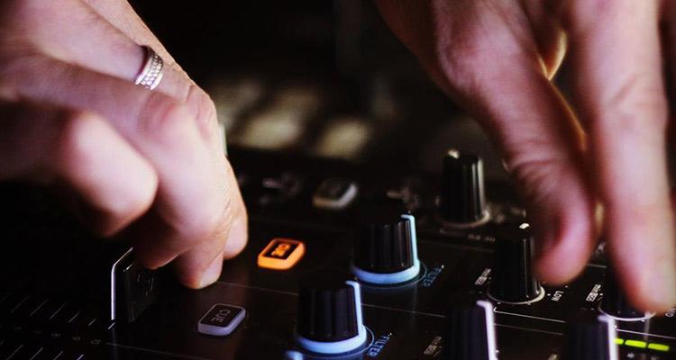 Entrevista a Sergio Presciutti, músico en busca de un nuevo intercambio cultural - Mesa