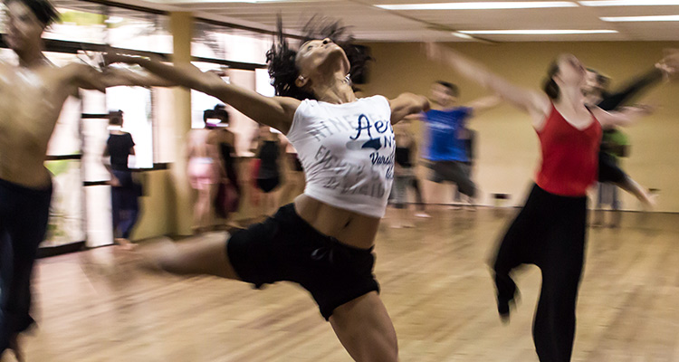 La creatividad: un motor del aprendizaje que se estimula con el intercambio - Baile