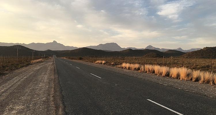 Conoce a Mzwakhe T., entrenador que propone intercambios con Sudáfrica - Carretera