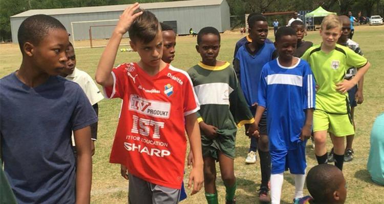 Conoce a Mzwakhe T., entrenador que propone intercambios con Sudáfrica - Portada