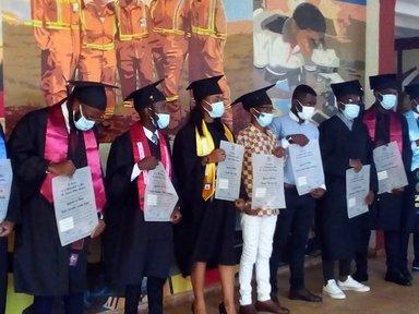 Universidad de Moa:  Estudios y pasantías €10