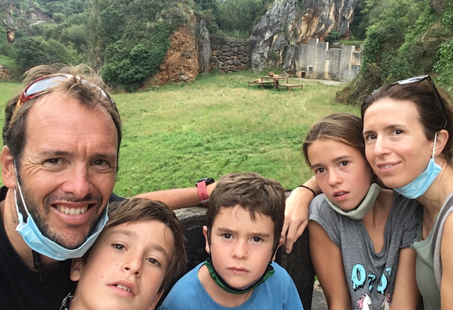 Intercambio familiar (matrimonio y 3 hijos). Estancia de 1 a 2 años en país de habla inglesa. €10